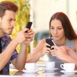 Dipendenza da smartphone: cos'è e come riconoscerla