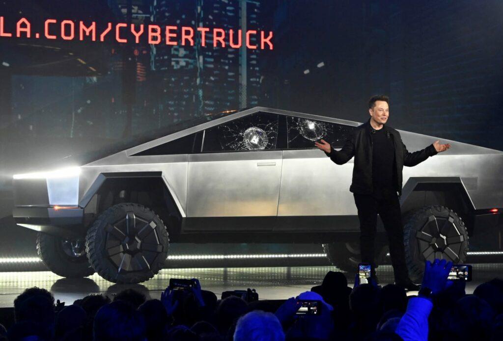 Il Cybertruck infranto che ha messo nei guai Musk